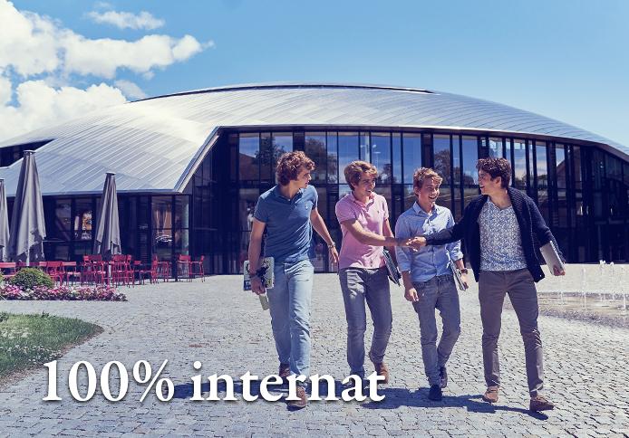 100% internat